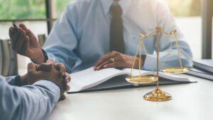 В каких случаях может понадобиться помощь юриста